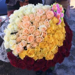 Букет «101 роза яркий микс»